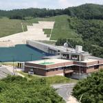 尾原ダム管理庁舎の写真